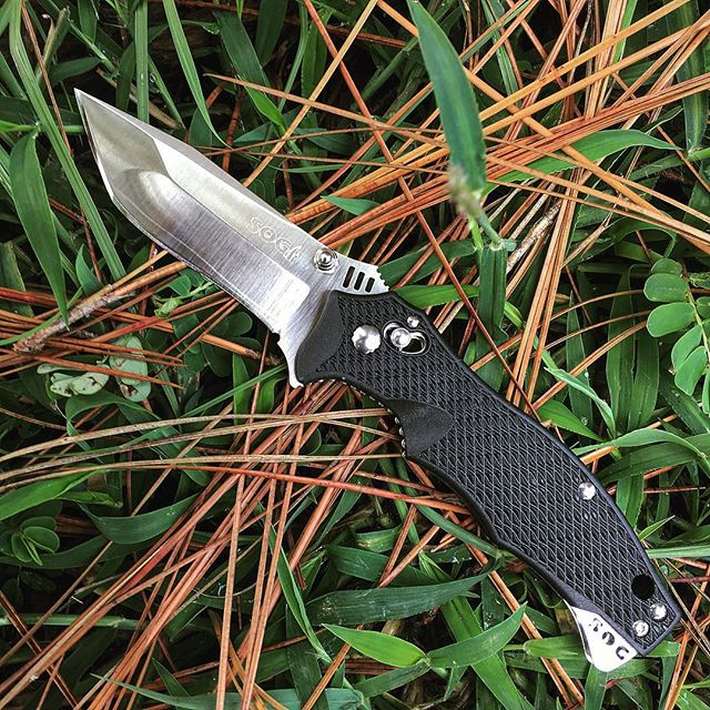 The SOG Vulcan Mini Tanto VL-04. This knife is featured with SOG's Arc-Lock system.  #sog #sogknives #vulcan #mini #tanto #vl04 #arclocksystem