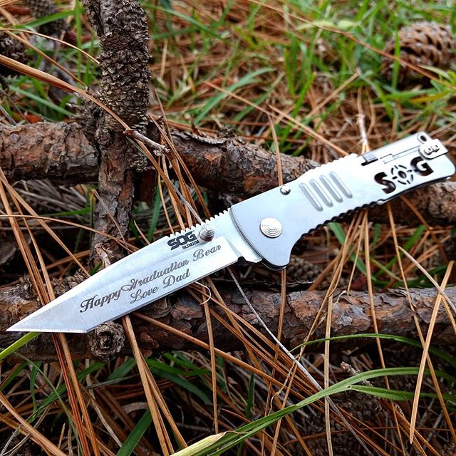 SOG SlimJim Tanto SJ33-CP. The perfect knife for a graduation present! I'm sure Bear will be very satisfied! Get yours with personalized engraving at Sog-knives.net today! #sog #slim #jim #super #thin #tanto #tip #SJ33-CP
