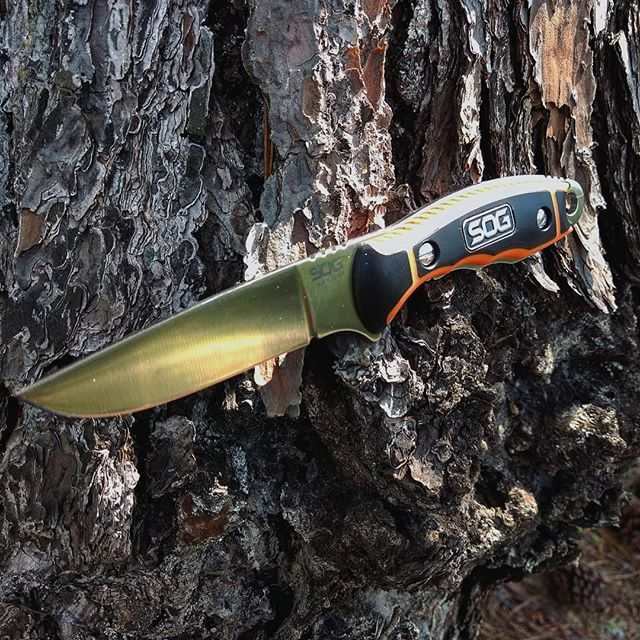 SOG Huntspoint boning knife HT021L-CP. The length and grip patterns of this knife really give it the kick! Not too big and not too small! Get yours at Sog-knives.net ! #sog #boning #knife #get #the #job #done #HT021L-CP