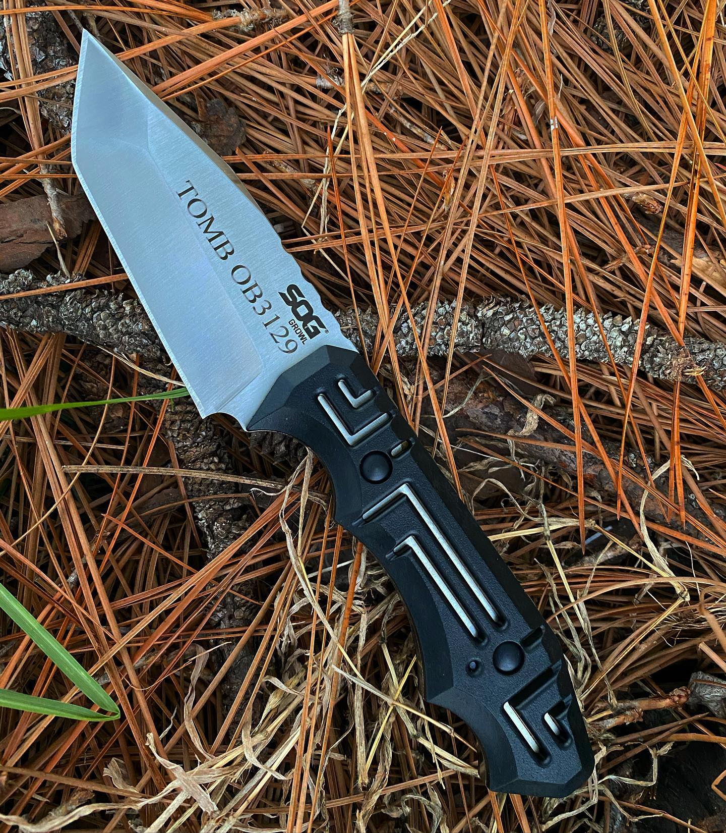 SOG Growl fixed blade knife with kydex sheath JB02-K was just engraved for our customer.  Make your loved ones growl w happiness when they open up this gift! #soggrowl #growlfixedblade #kydexsheath #JB02-K